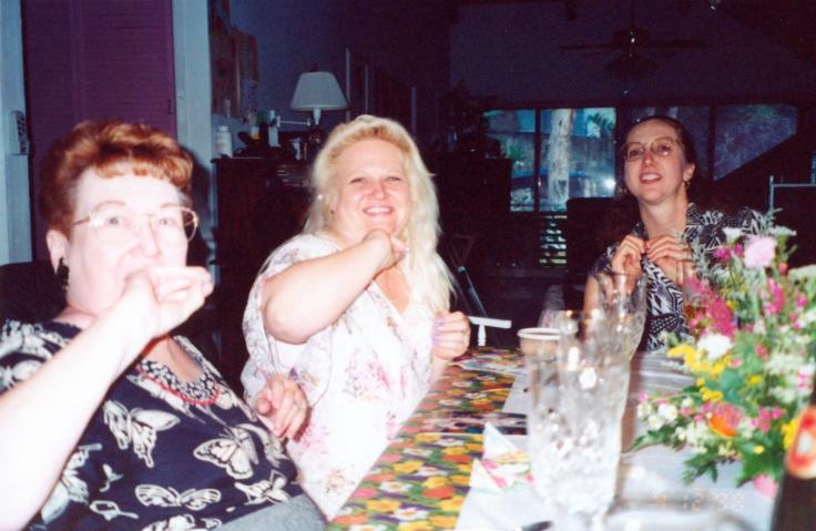 1998-ThanksgivingMomGmaWeWeDebbie